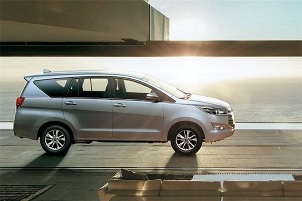 A picture of the 2020 Toyota Innova side view