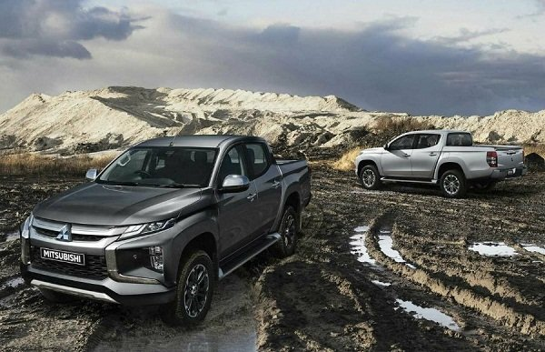 2020 Mitsubishi Strada in the Mud