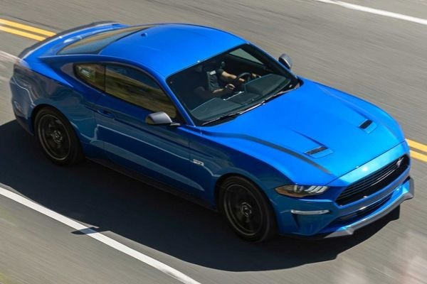 A top down picture of the 2020 Mustang 2.3 L Ecoboost with HPP