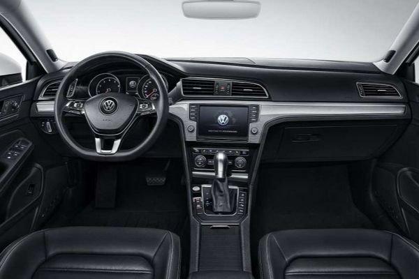 2020 VW Lamando Interior