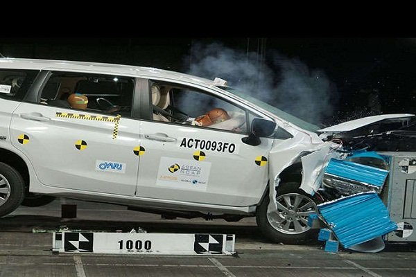 Mitsubishi xpander crash test