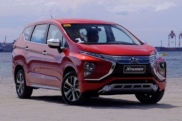 A picture of the 2019 Mitsubishi Xpander in red