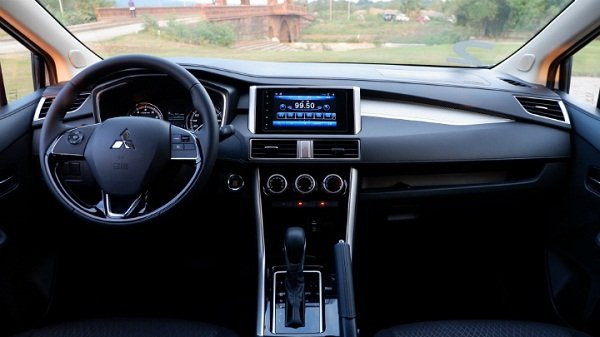 A picture of the front cabin of the 2019 Mitsubishi Xpander