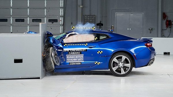 Chevrolet camaro crash test