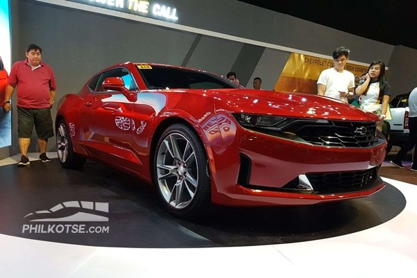 A picture of the Camaro 3LT RS at the 2019 MIAS