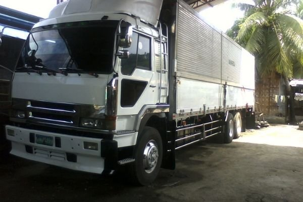 A picture of a truck owned by the Vanredj Trucking Company