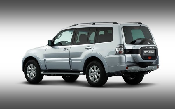 A picture of the rear of the Mitsubishi Pajero