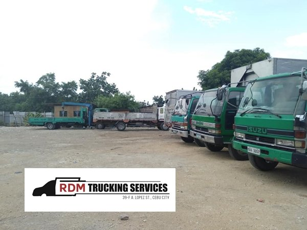 A picture of the RDM Trucking Service garage