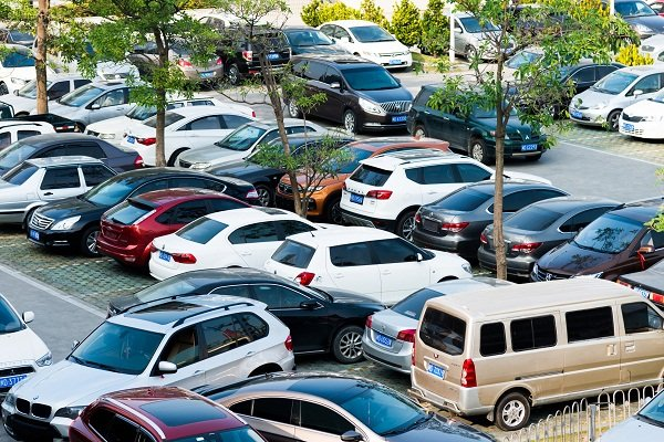 A picture of a Philippine crowded parking lot