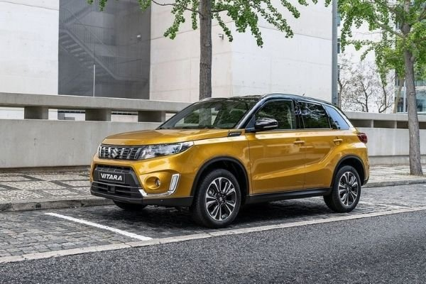 A picture of the side of the 2020 Suzuki Vitara