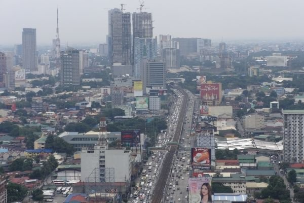 traffic congestion in metro manila: A picture of EDSA from a bird's eye view.