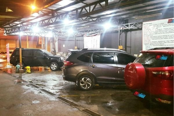 A picture of Full Torque car wash's facility