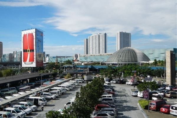 A picture of a mall parking lot here in Metro Manila