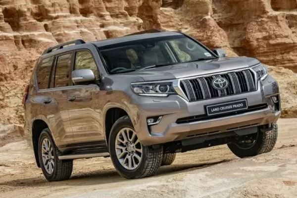 2020-toyota-land-cruiser-prado-off-road