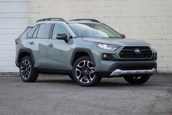 2020-toyota-rav4-on-the-rosf