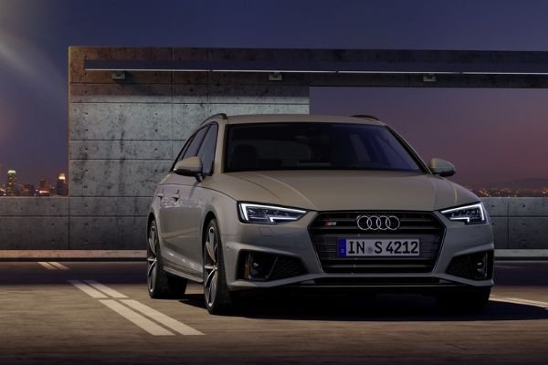 A picture of the 2020 Audi A6.