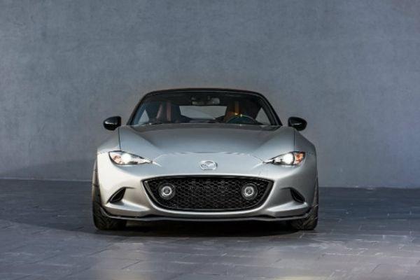 Mazda MX5 Miata front view