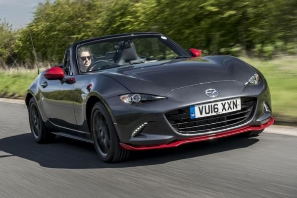 2020-mazda-mx-5-on-the-road