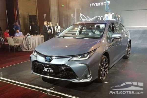 A picture of the Toyota Corolla Altis Hybris.
