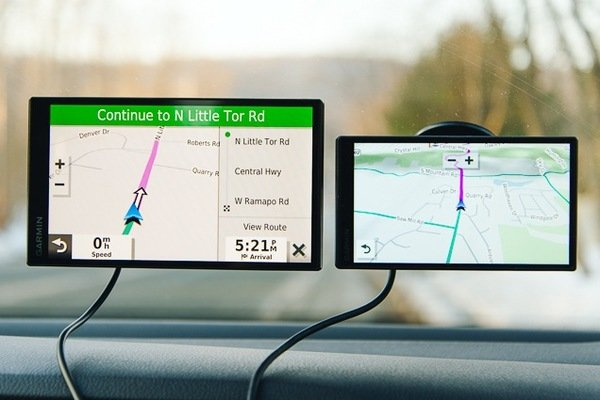Screens of GPS unit