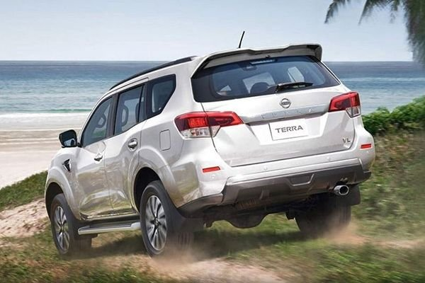 A picture of the Nissan Terra's rear.
