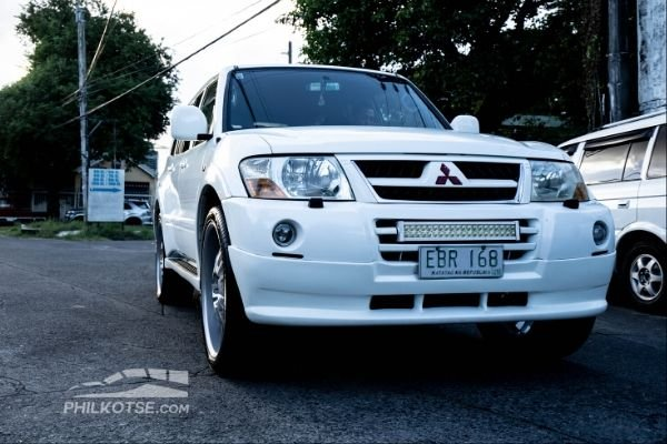 mitsubishi pajero on the road