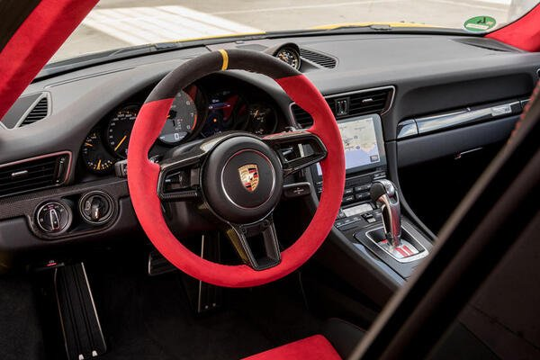 GT2 RS interior