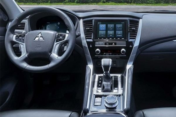 Mitsubishi Montero Sport 2020 interior