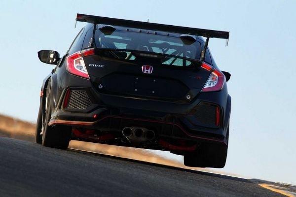 Honda Civic Type R TC's rear end