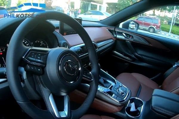 A picture of the 2020 Mazda CX-9 cockpit
