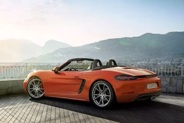 A picture of the 718 Boxster