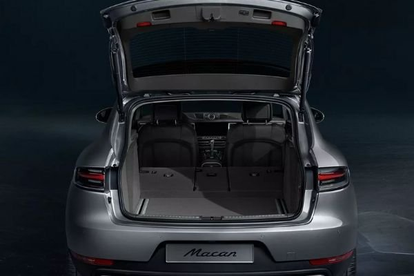 A picture of the Macan's open trunk