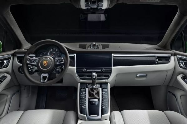 A picture of the Macan's interior