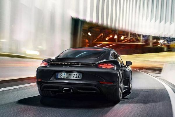 The Porsche 718 Cayman's rear end