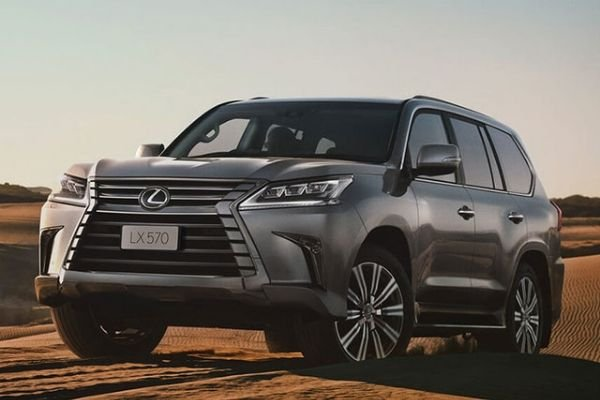 A picture of the Lexus LX in the desert