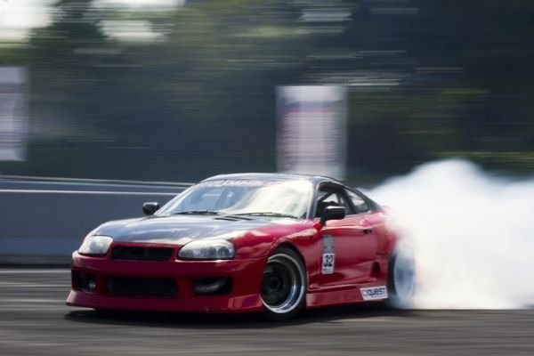 A picture of an A80 Toyota Supra mid-drift