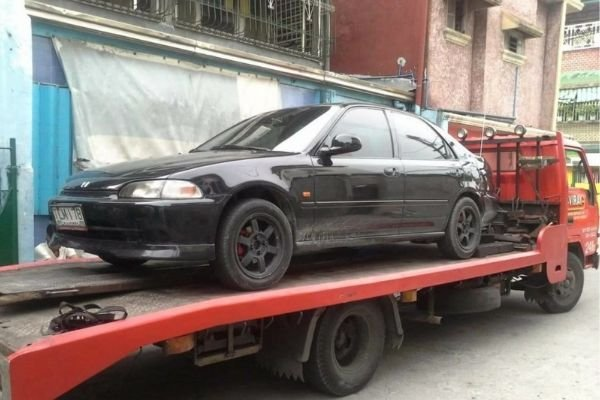 A picture of a Civic being transported