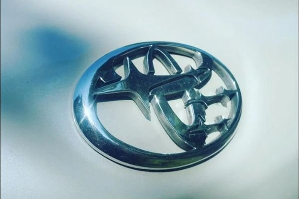 A picture of the Toyobaru badge
