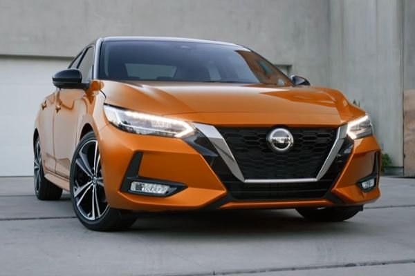 2020-nissan-sentra-front-of-the-road