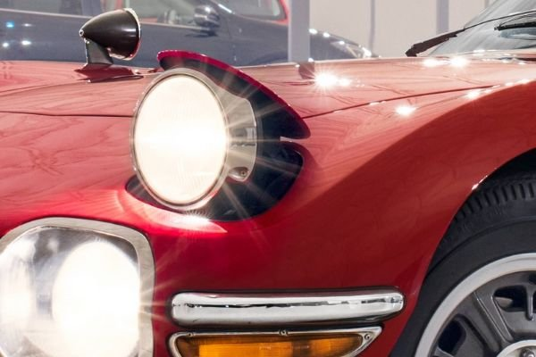 toyota 2000gt with pop up headlights