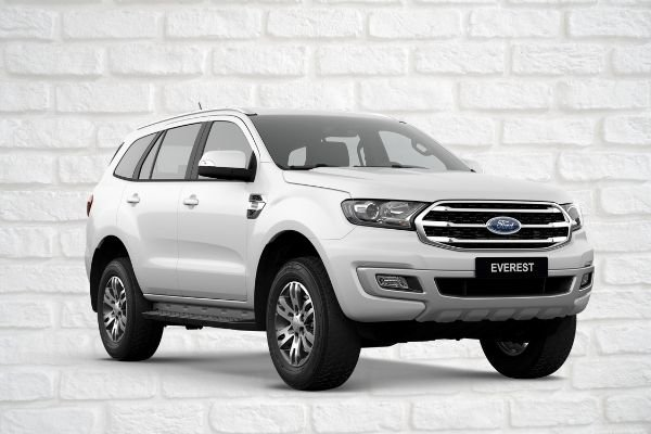 A Ford Everest Trend in Artic White