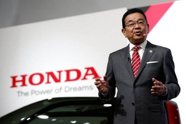 honda-ceo-making-announcement