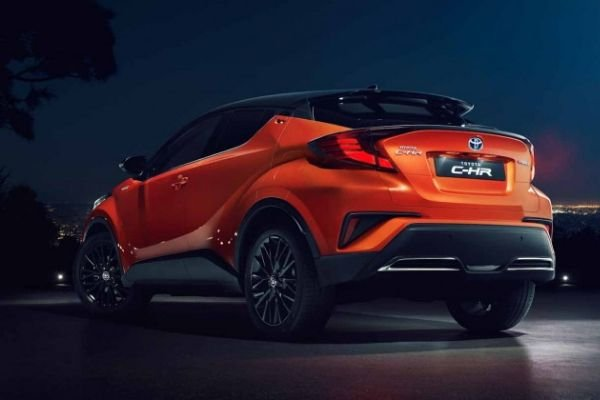 A picture of the rear of the Toyota C-HR