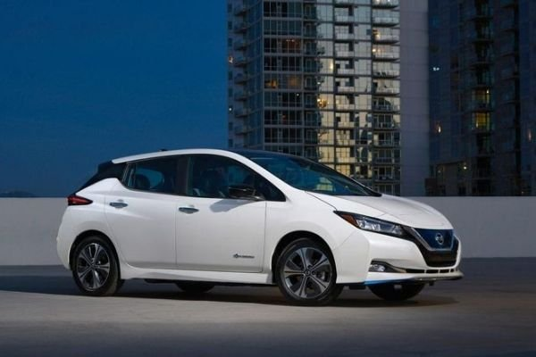 A picture of the Nissan Leaf parked at night