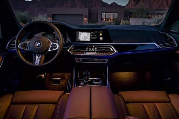 A look into the BMW X5's very premium interior