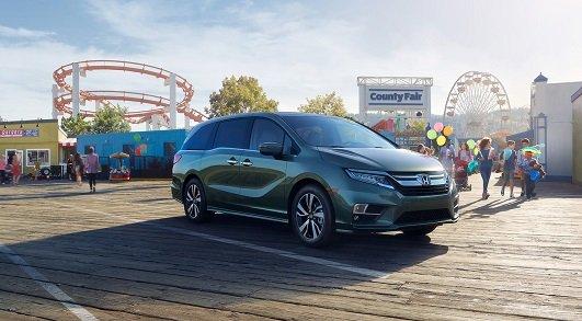 Honda Odyssey 2020 on the road