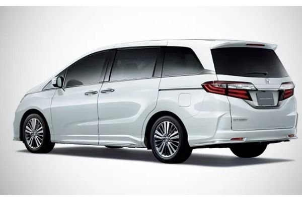 A picture of the rear of the Honda Odyssey 2020