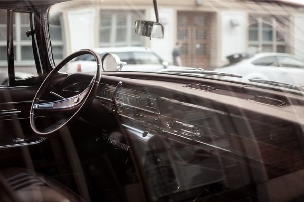 A picture of a classic car from before there were window frits