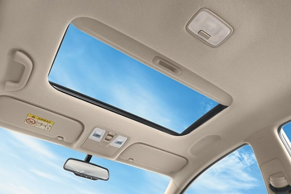 Sunroof of the Hyundai Accent facelift