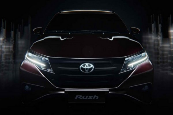 Front view of Toyota Rush
